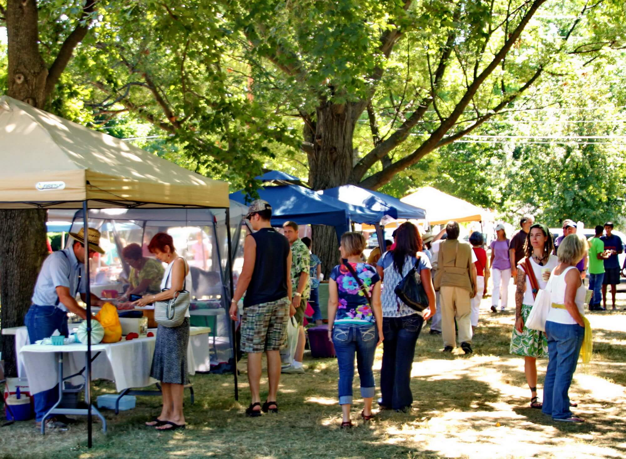 Farmers Market on Saturdays in Howard Park